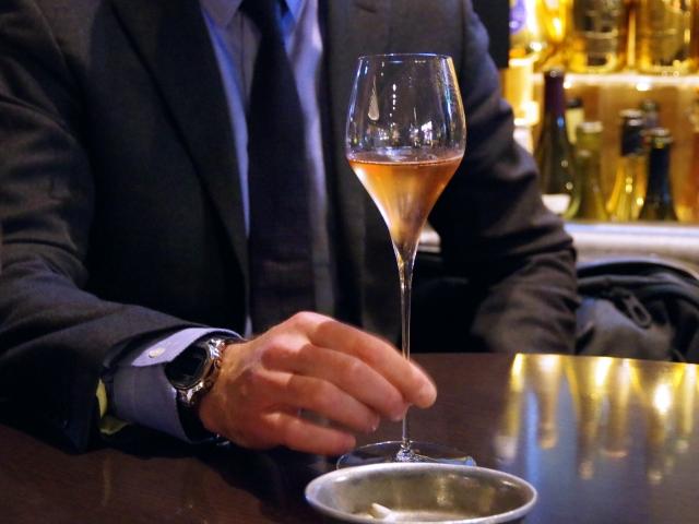 交際クラブ女性向け_シャンパン
