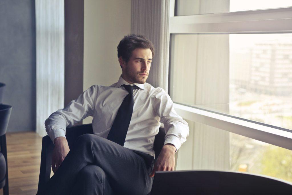 交際クラブ『セレンディピティ』を利用する男性のイメージ