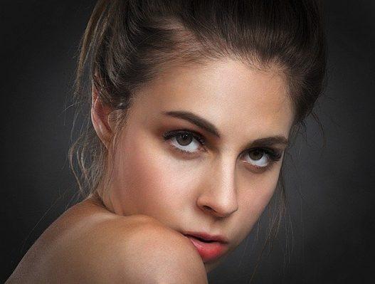 交際クラブ『銀座ワンアンドオンリー』を利用する女性のイメージ