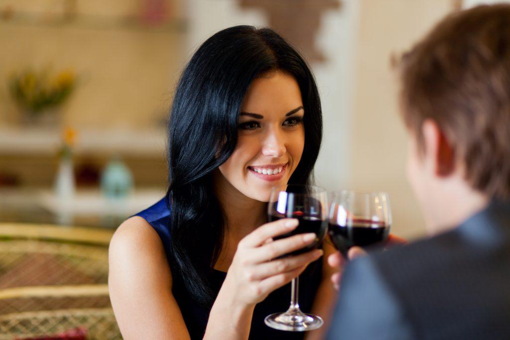 交際クラブの女性と付き合うには? 【上手な女性との付き合い方を解説】